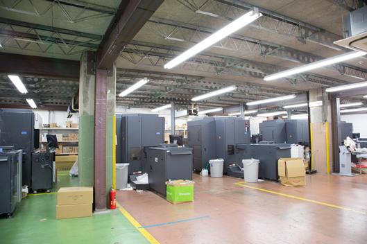 印刷機全景