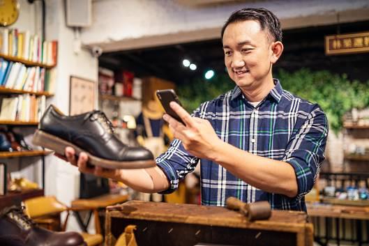 近年の台湾は日本と同様に消費行動が大きく変化しており、「自分の価値観に合う」サービスや商品を重視するといった新しい購買行動のトレンドが誕生しています