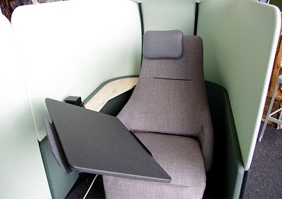 アスクル ASKUL オフィスリニューアル 半個室 リクライニング機能を搭載したフラットシート