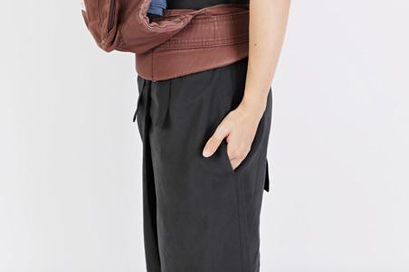 「arm in arm」のロングスカート