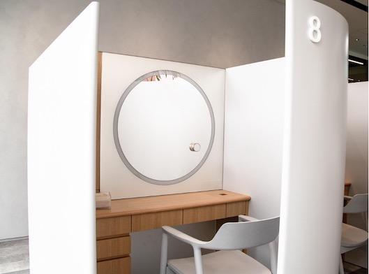 東京・表参道にあるオルビスの体験特化型店舗「SKINCARE LOUNGE BY ORBIS」2階。ORBISアプリ会員は自由にオルビス商品を利用できる