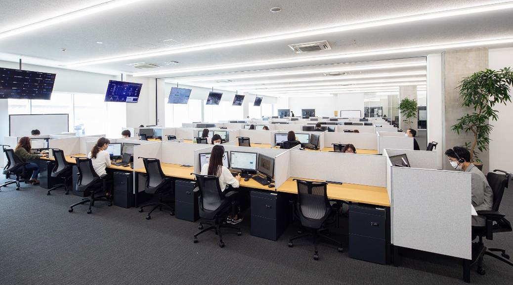 ファーストリテイリングは有明本部を改装、カスタマーセンターを設置